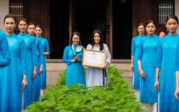 Nhà thiết kế Minh Hạnh nhận Bằng khen của Hội LHPN Việt Nam