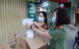 Hội phụ nữ Công an tỉnh Vĩnh Phúc tặng 50.000 khẩu trang y tế cho vùng dịch