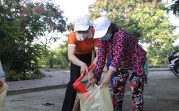 """Nhiều hội viên phụ nữ huyện Cần Giờ được nhận quà trong ngày hội """"Vì môi trường xanh"""""""