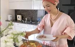 Sao vào bếp: Hoa hậu Đền Hùng nấu bún cá đãi khách, khẳng định ở nhà không lo thất nghiệp