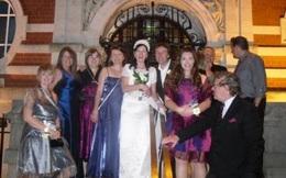 Người phụ nữ Anh kết hôn với chính mình vẫn hạnh phúc sau 11 năm