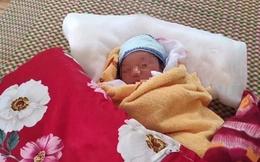 Mẹ nhiễm Covid-19, bố ung thư, bé sơ sinh 3 ngày tuổi phải xa mẹ, ở khu cách ly tập trung với bác