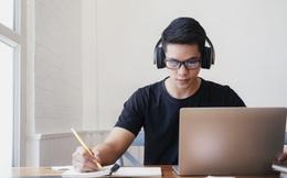 Hơn 100 ngàn học sinh Hà Nội làm bài khảo sát online để chuẩn bị cho thi tốt nghiệp