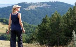 Người phụ nữ một mình đi bộ vòng quanh thế giới