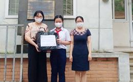 Cô học trò lớp 6 ủng hộ khẩu trang và 1 triệu đồng vào Quỹ vaccine phòng Covid-19