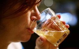 Phụ nữ có xu hướng uống nhiều rượu hơn, đặc biệt là trong dịch Covid-19