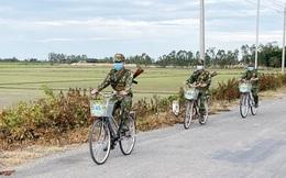 Xe đạp theo nhịp bước tuần tra biên giới