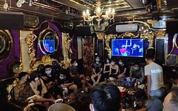 Bắt quả tang 20 nam, nữ tụ tập uống bia tại quán karaoke bất chấp lệnh cấm