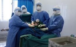 Quảng Ngãi: Bệnh nhân Covid-19 sinh con gái nặng 3kg trong khu điều trị