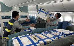"""Lần đầu tiên vải thiều Bắc Giang """"ngồi"""" ghế siêu máy bay vào TPHCM"""