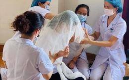 Nữ điều dưỡng chịu tang bố trong khu cách ly