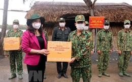 Phó Chủ tịch nước Võ Thị Ánh Xuân động viên lực lượng chống dịch Covid-19 ở biên giới Tây Nam