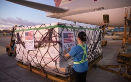 Hai triệu liều vaccine COVID-19 do Hoa Kỳ hỗ trợ đã đến Việt Nam
