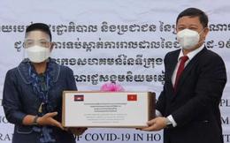 Campuchia tặng trang thiết bị và vật tư y tế phòng, chống dịch Covid-19 cho TPHCM