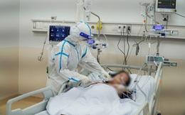 Y bác sĩ căng mình trong Bệnh viện hồi sức Covid-19 quy mô 1.000 giường