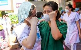 Hàng trăm y bác sĩ tiếp tục chi viện cho các tỉnh thành phía Nam chống dịch