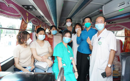 Gần 200 thầy thuốc Bệnh viện Bạch Mai lên đường hỗ trợ TP.HCM