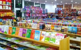 Phụ huynh loay hoay tìm mua sách vở, đồ dùng học tập trước thềm năm học mới