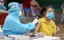 """Bí thư Hà Nội yêu cầu điều tra thông tin dịch vụ tiêm vaccine Covid-19 """"thần tốc"""" ở quận Ba Đình"""