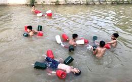 Ngăn ngừa tai nạn đuối nước ở trẻ em bằng phao cứu hộ làm từ lốp xe