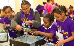 4 cách khuyến khích nữ giới tham gia STEM