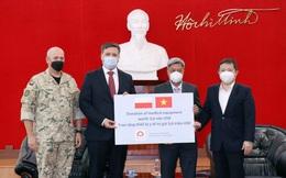 Ba Lan hỗ trợ Việt Nam 8 tấn trang thiết bị, vật tư chống dịch Covid-19
