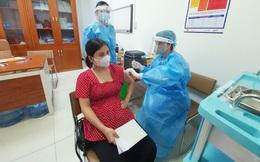500 thai phụ ở Hà Nội được tiêm vaccine phòng Covid-19