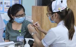Tiêm mũi 2 vaccine ngừa Covid-19 muộn có sao không?