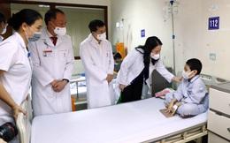 Phó Chủ tịch nước Võ Thị Ánh Xuân thăm, tặng quà cho bệnh nhi nhân dịp Tết Trung thu 2021