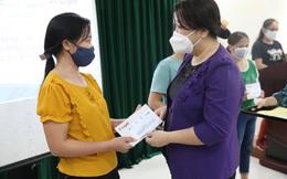 Hội LHPN Hà Nội trao gần 500 suất quà hỗ trợ phụ nữ di cư vượt qua Covid-19