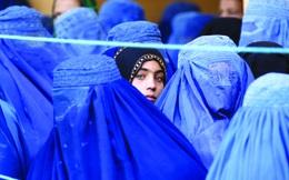 """Taliban """"tiền hậu bất nhất"""" trong chính sách về quyền phụ nữ"""