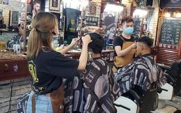 Từ 6h ngày 21/9, Hà Nội cho phép xe ôm công nghệ, cửa hàng cắt tóc, gội đầu và nhiều dịch vụ hoạt động trở lại