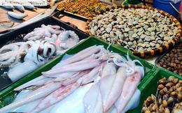 Thủy hải sản đồng loạt giảm giá khi Hà Nội nới lỏng giãn cách xã hội