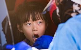 Australia: Các trường hợp nhiễm Covid-19 ở trẻ em tăng gấp 5 lần so với những người trên 60 tuổi