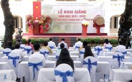 """TPHCM: Thầy và trò không thể """"Tay bắt mặt mừng"""" tại Lễ khai giảng năm học mới"""