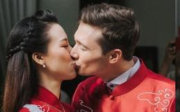 """Đám cưới của Á hậu Hoàng Oanh: Cô dâu chú rể liên tục """"khóa môi"""" ngọt ngào"""