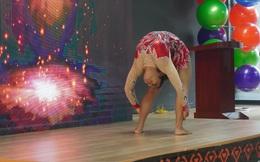 """""""Nữ hoàng yoga"""" Anjali truyền lửa tinh thần yoga"""