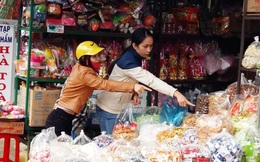 Thực phẩm giả, nhái bủa vây chợ dịp Tết