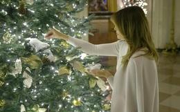 """Đệ nhất phu nhân Melania Trump trang hoàng Nhà Trắng mùa Giáng sinh theo """"Tinh thần nước Mỹ"""""""