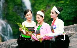 Người đẹp xứ Mường khoe sắc bên thác Cửu Tú Sơn