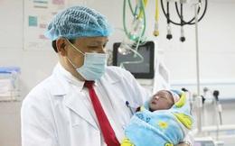 2 bé gái chào đời trong thời khắc đầu tiên của năm 2020