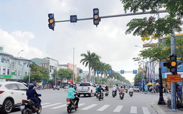 Từ 1/1/2020: Điều khiển xe máy vượt đèn vàng xử phạt tới 1 triệu đồng