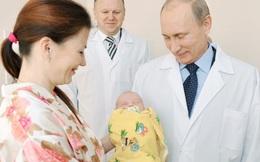 Nga hỗ trợ tiền cho bà mẹ sinh con đầu lòng