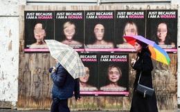 Tranh cãi quanh việc sử dụng hình ảnh các nữ chính trị gia trong chiến dịch chống bạo lực gia đình
