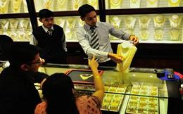 Chuyên gia kinh tế cảnh báo: Mua vàng lúc này có khả năng lỗ lớn