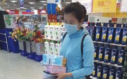 Lượng khẩu trang siêu thị bán ra tăng gấp 50-60 ngày thường do dịch Corona