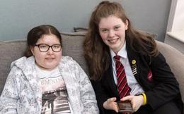 Nữ sinh 13 tuổi gom 92.000 bảng trong năm ngày giúp bạn điều trị ung thư