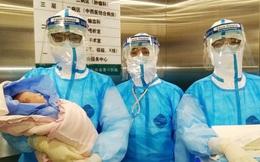 Một phụ nữ mang thai bị nhiễm virus corona vừa hạ sinh thành công bé gái khỏe mạnh