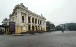 Hà Nội: Nhiều hàng quán đóng cửa, siêu thị, bến xe vắng tanh vắng ngắt vì Covid-19