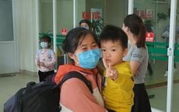 30 hành khách trở về từ Vũ Hán được rời khỏi khu cách ly về với gia đình